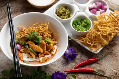 Khao Soy (Chiang Mai noodles Curry)